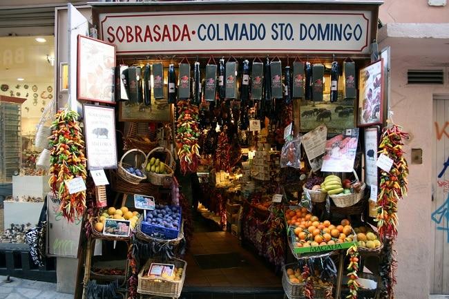 COLMADO - קולמאדו - מכולת מקומית