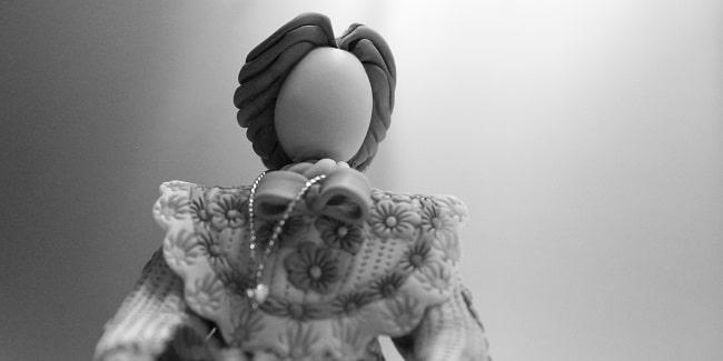 בובה חסרת פנים