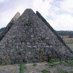 Las Pirámides – האנדרטה המיוחדת של קונסטנזה