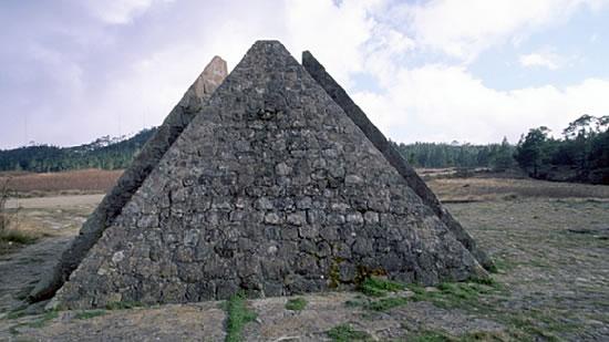Las Pirámides - קונסטנזה